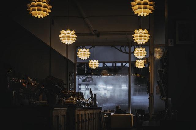 como-garantir-a-eficiencia-energetica-em-bares-e-restaurantes