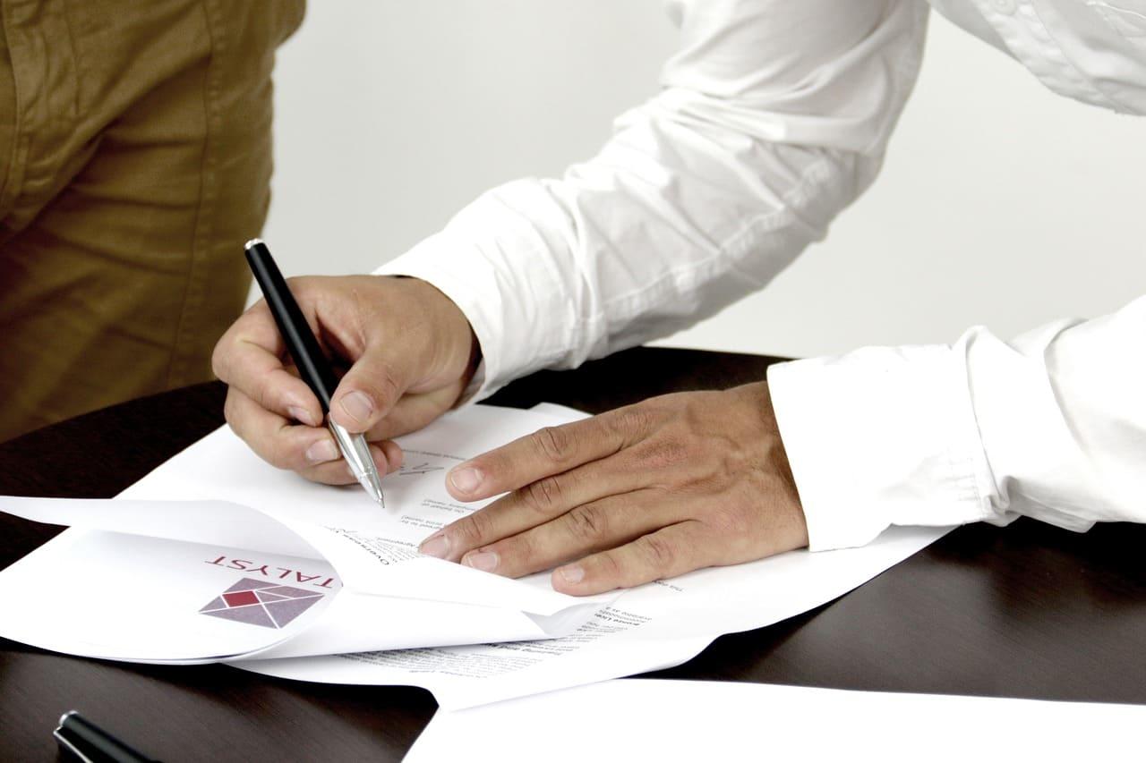 contrato-de-prestacao-de-servicos-autonomos-risco-para-condominio